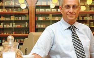 Yeditepe Üniversitesi Ezcacılık Fakültesi Farmakognozi ve Fitoterapi anabilim dalı başkanı Prof. Dr. Erdem Yeşilada