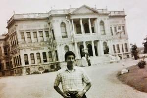 İstanbul Üniversitesi Hukuk Fakültesi mezunu Sacit Kayasu, 12 yıl avukatlık yaptıktan sonra savcı oldu.
